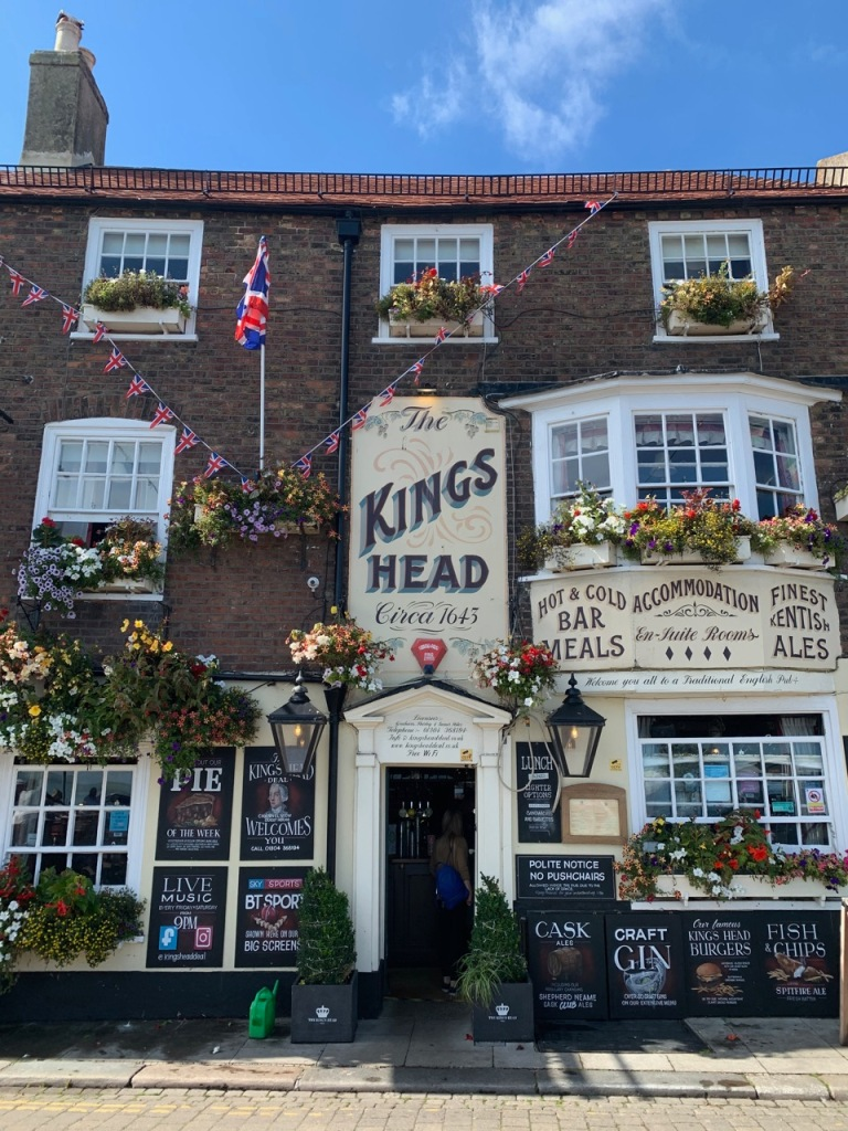 Front facade of Kings Head